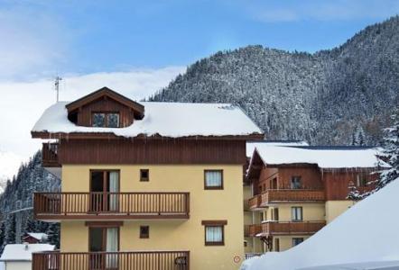 Location au ski Les Chalets D'arrondaz - Valfréjus - Extérieur hiver