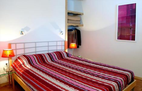Rent in ski resort Les Chalets de Florence - Valfréjus - Bedroom