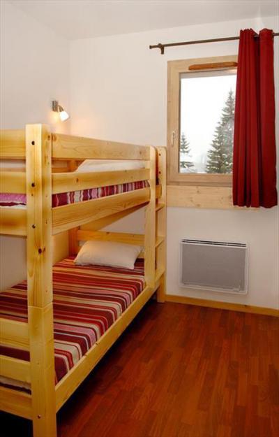Rent in ski resort Les Chalets de Florence - Valfréjus - Bunk beds