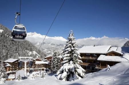 Location au ski Les Chalets De Florence - Valfréjus - Extérieur hiver