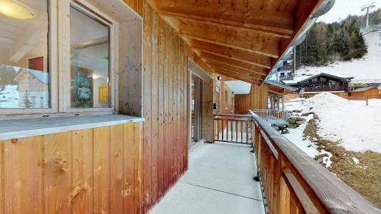 Rent in ski resort Studio cabin 4 people - Les Chalets de Florence - Valfréjus - Balcony