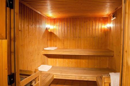 Location au ski Les Chalets Du Thabor - Valfréjus - Sauna