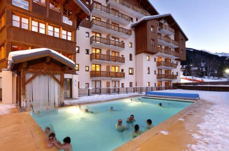Holiday in mountain resort Résidence la Turra - Valfréjus - Winter outside