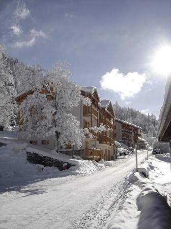 Location au ski Residence Le Belvedere Busseroles - Valfréjus - Extérieur hiver