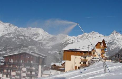 Location au ski Residence Le Cheval Blanc - Valfréjus - Extérieur hiver