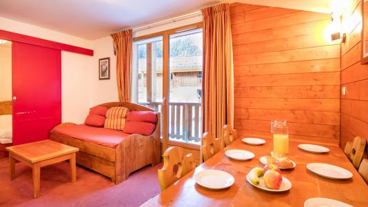 Rent in ski resort Résidence les Chalets de la Ramoure - Valfréjus - Living room