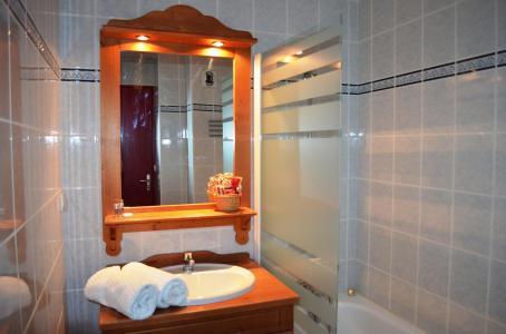 Location au ski Residence Les Chalets De La Ramoure - Valfréjus - Salle de bains