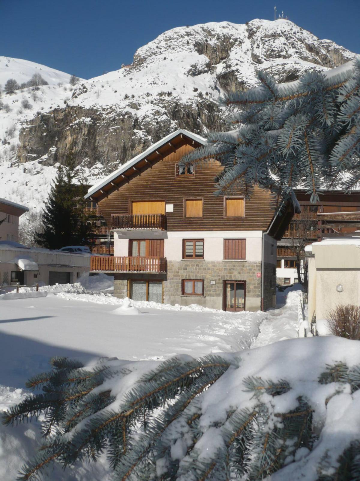 Accommodation Chalet Les Gentianes