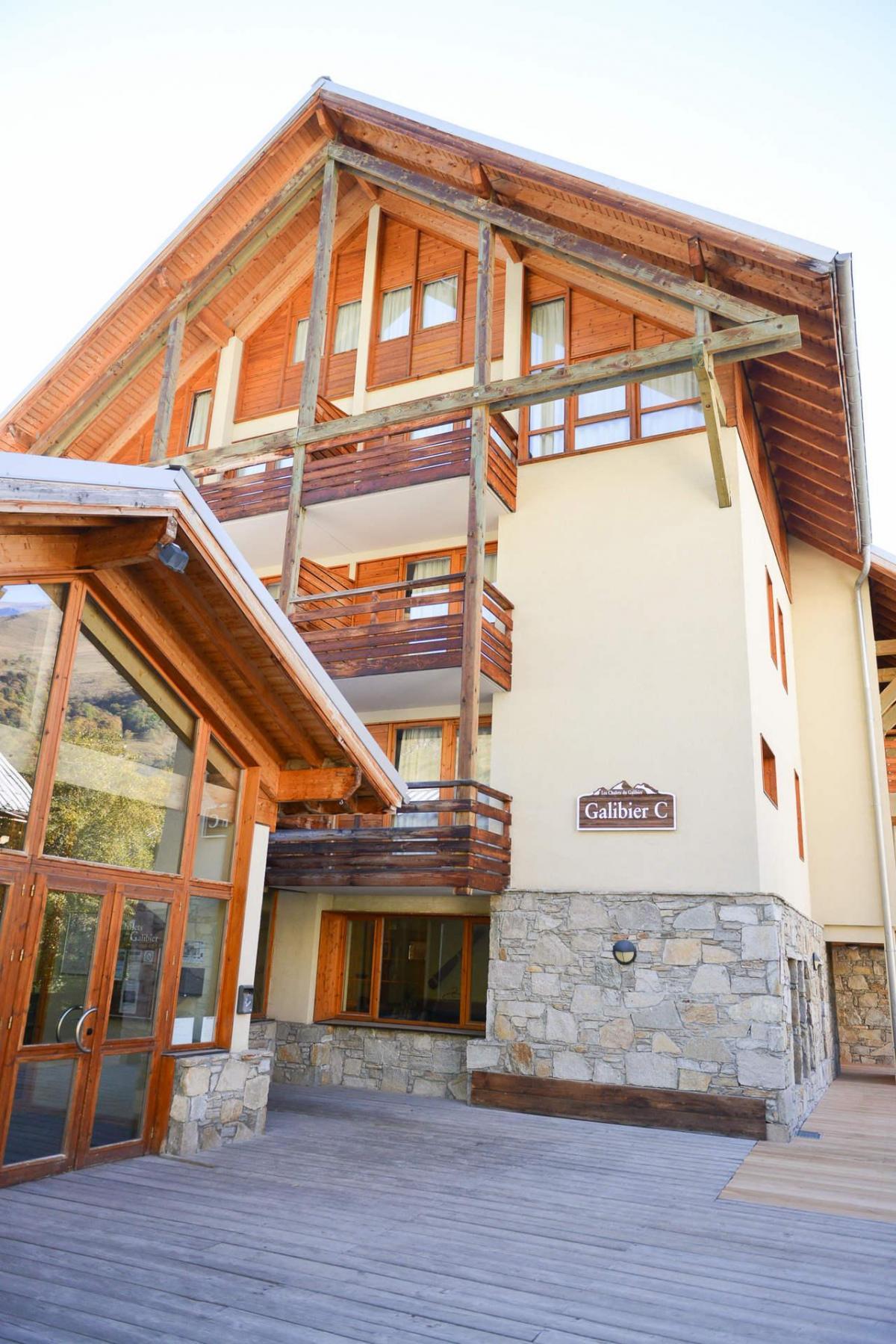 chalets du galibier valloire location vacances ski valloire ski planet. Black Bedroom Furniture Sets. Home Design Ideas