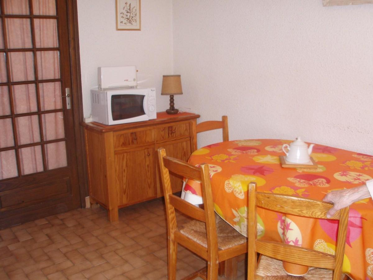 Location au ski Studio coin montagne 4 personnes (113) - Residence Les Cretes - Valloire - Coin repas