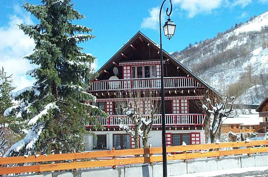 Holiday in mountain resort Chalet Ickory - Valloire - Winter outside