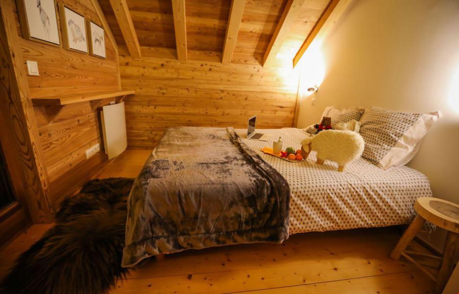 Location au ski Chalet le Pure Altitude - Valloire - Chambre mansardée