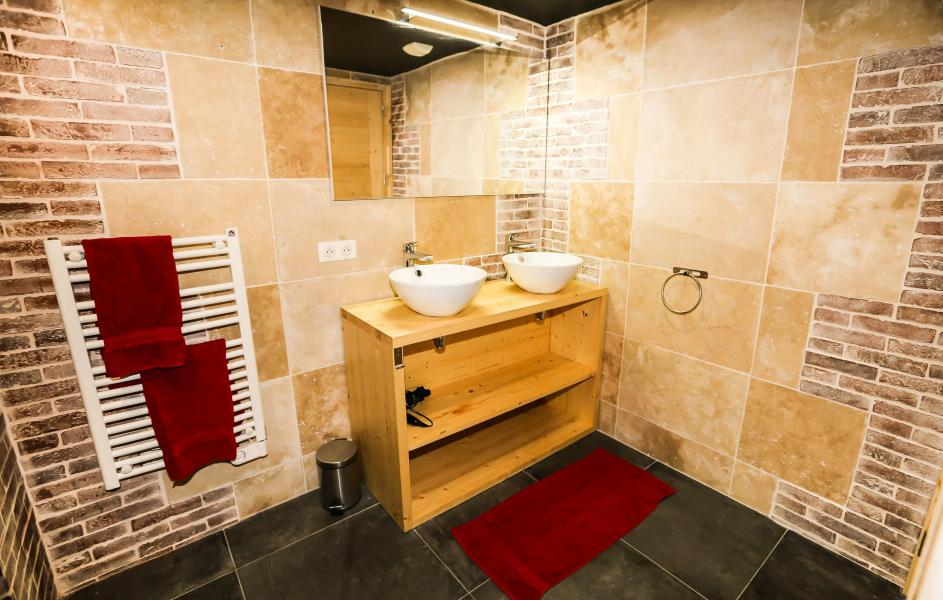 Rent in ski resort Chalet Les Lions Blancs - Valloire - Bathroom