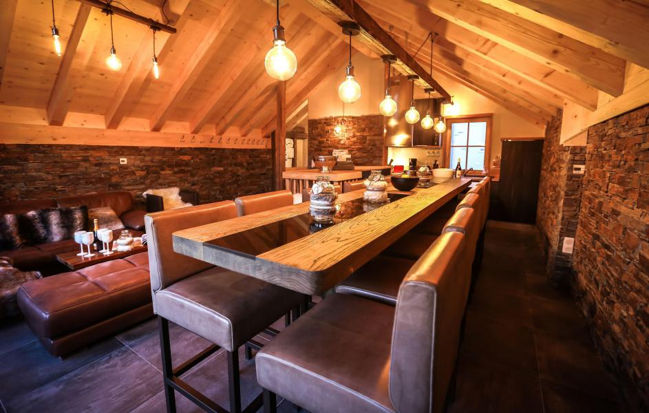 Rent in ski resort Chalet Les Lions Blancs - Valloire - Dining area
