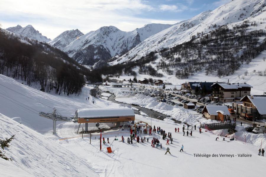 Аренда на лыжном курорте Chalet les Lupins - Valloire - зимой под открытым небом