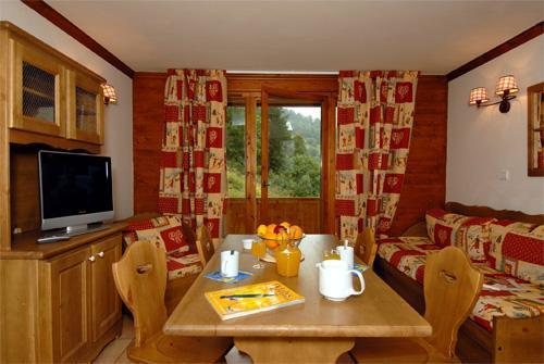 Location au ski Appartement 2 pièces 4 personnes - Le Hameau Et Les Chalets De La Vallee D'or - Valloire - Coin repas