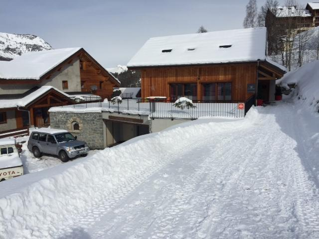 Holiday in mountain resort Les Chalets d'Adrien - Valloire - Winter outside