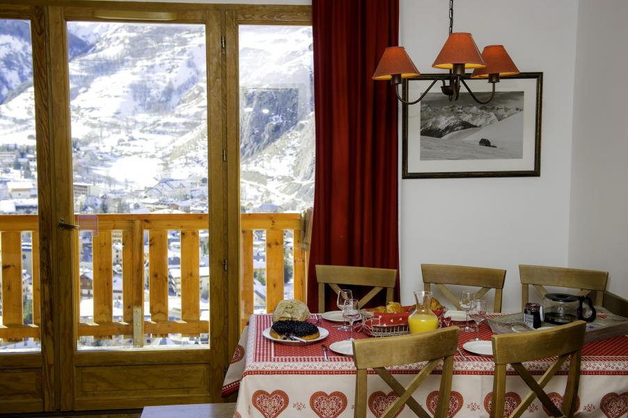 Location au ski Les Chalets De Valoria - Valloire - Table