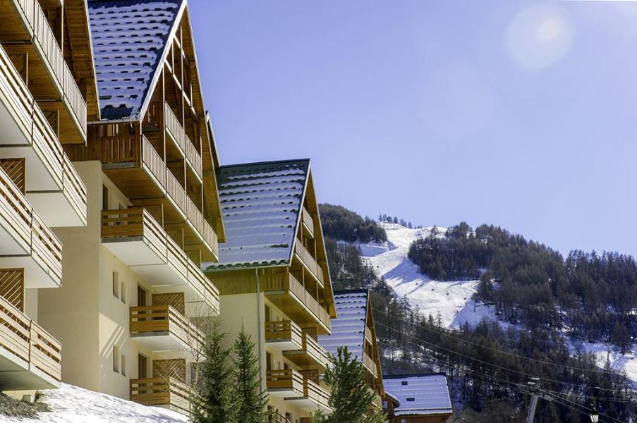 Urlaub in den Bergen Les Chalets Valoria - Valloire - Draußen im Winter