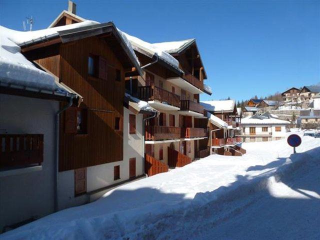 Аренда на лыжном курорте Résidence la Demeurance - Valloire - зимой под открытым небом