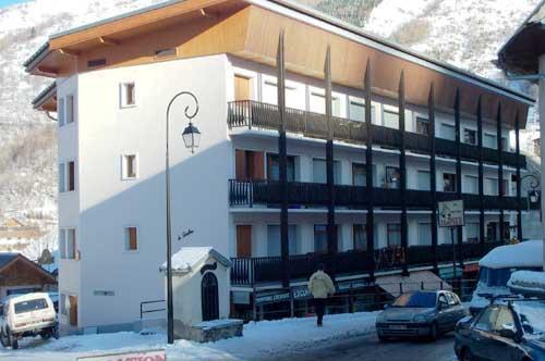 Location au ski Studio 2 personnes - Residence Le Caribou - Valloire - Extérieur hiver