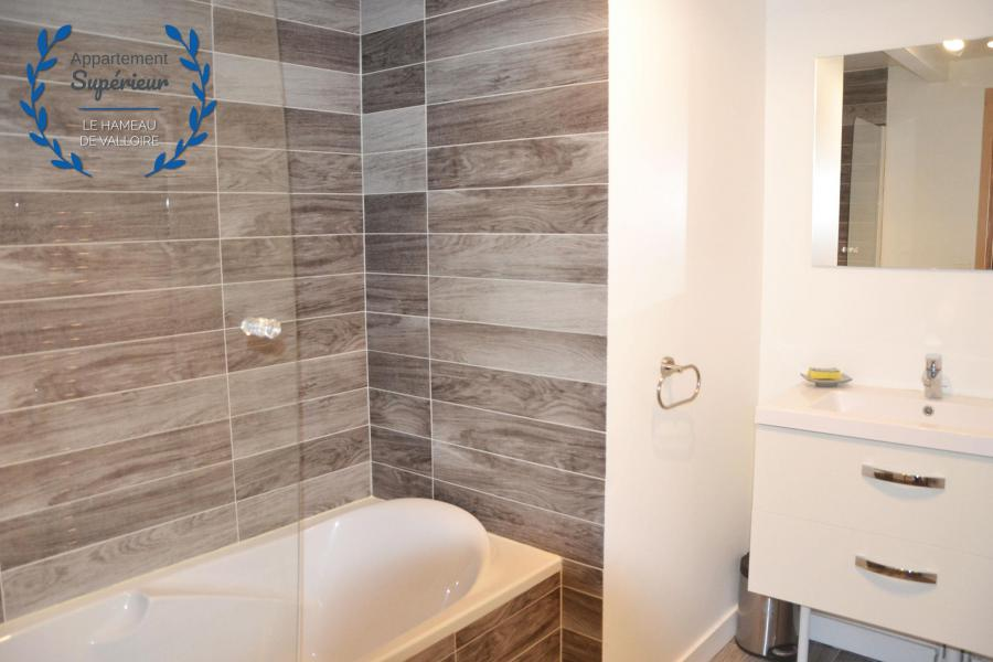 Rent in ski resort 4 room apartment 7 people (superior) - Résidence le Hameau de Valloire - Valloire - Bathroom