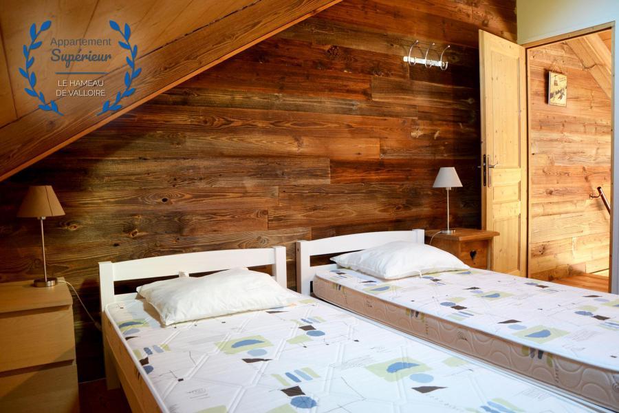 Rent in ski resort 5 room apartment 8 people (superior) - Résidence le Hameau de Valloire - Valloire - Twin beds