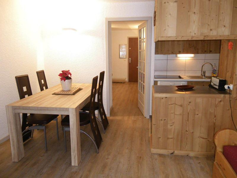 Location au ski Studio cabine 4 personnes (PRAZ14) - Residence Le Praz - Valloire - Table