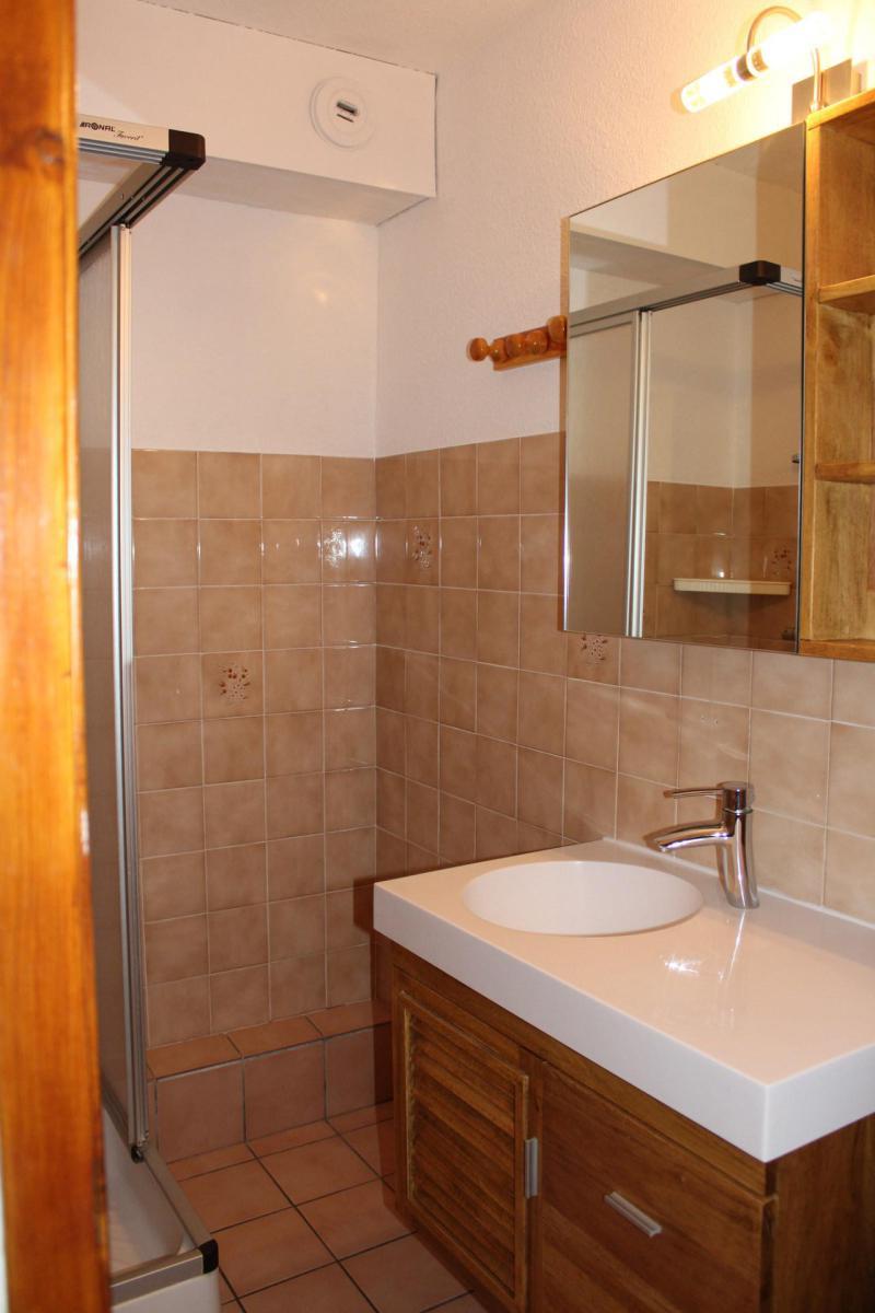 Location au ski Appartement 2 pièces cabine 4 personnes (26) - Résidence Tigny - Valloire - Salle d'eau