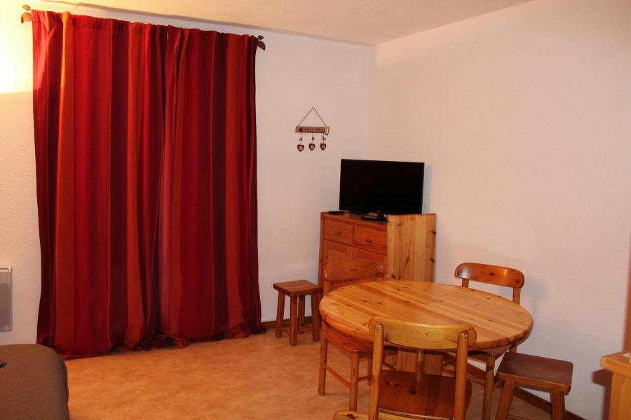 Location au ski Appartement 2 pièces cabine 4 personnes (26) - Résidence Tigny - Valloire - Table