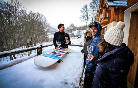 Rent in ski resort Chalet le Mas des Neiges - Valloire - Winter outside
