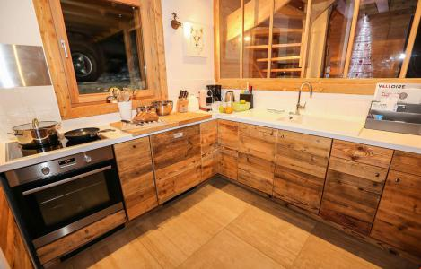 Rent in ski resort Chalet le Pure Altitude - Valloire - Kitchen