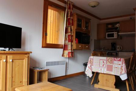 Rent in ski resort 2 room apartment 4 people (302) - Chalets de la Vallée d'Or Pensée - Valloire - Table