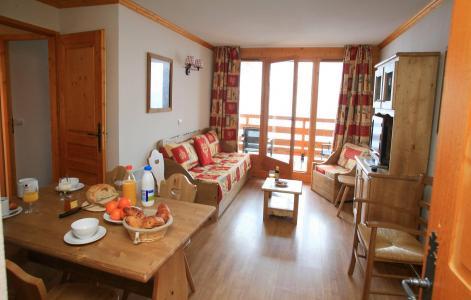 Location au ski Le Hameau et les Chalets de la Vallée d'Or - Valloire - Coin repas