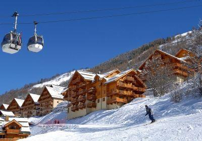 Location au ski Le Hameau Et Les Chalets De La Vallee D'or - Valloire - Extérieur hiver