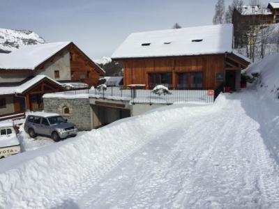 Ski apartment rental Les Chalets d'Adrien