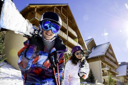 Holiday in mountain resort Les Chalets de Valoria - Valloire - Winter outside