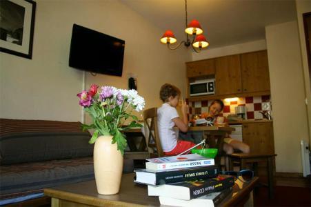 Rent in ski resort Les Chalets de Valoria - Valloire - Coffee table