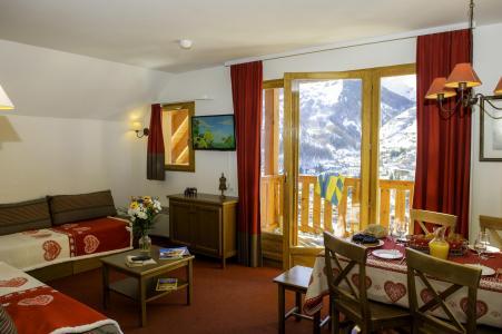 Rent in ski resort Les Chalets de Valoria - Valloire - Living room