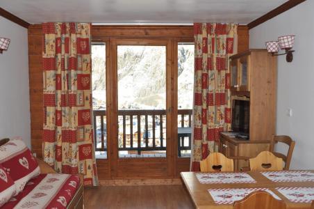 Rent in ski resort 2 room apartment 4 people (102) - Résidence Gentiane Hameau de la Vallée d'Or - Valloire - Living room