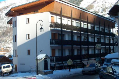 Location au ski Residence Le Caribou - Valloire - Extérieur hiver