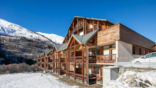 Rent in ski resort Résidence le Hameau de Valloire - Valloire - Winter outside
