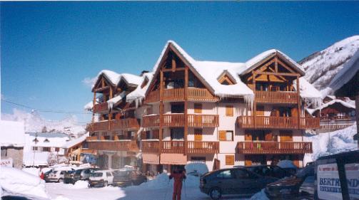 Location au ski Residence Le Z'esherrion - Valloire - Extérieur hiver