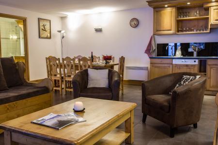 Rent in ski resort Résidence et Spa Vallorcine Mont Blanc - Vallorcine - Living area
