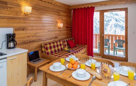 Location au ski Résidence l'Ecrin des Neiges - Valmeinier - Table