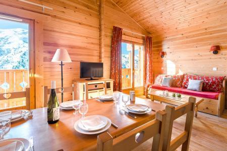 Rent in ski resort Résidence Lagrange le Grand Panorama 2 - Valmeinier - Table