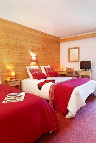 Wynajem na narty Pokój rodzinny (2 osoby) - Hôtel du Bourg - Valmorel - Łóżkiem