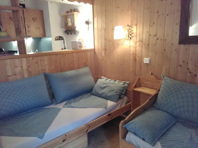 Location au ski Studio 2 personnes (051) - Residence La Camarine - Valmorel - Banquette