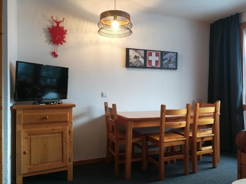 Location au ski Appartement 2 pièces 4 personnes (C30) - Résidence le Cheval Blanc - Valmorel - Table
