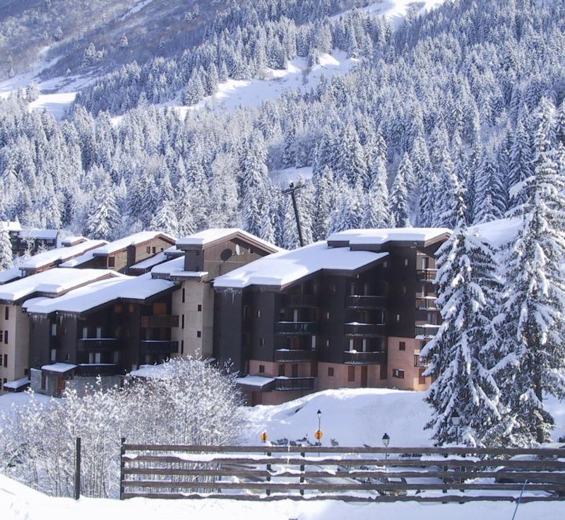 Vacances en montagne Résidence les Lauzes - Valmorel - Extérieur hiver